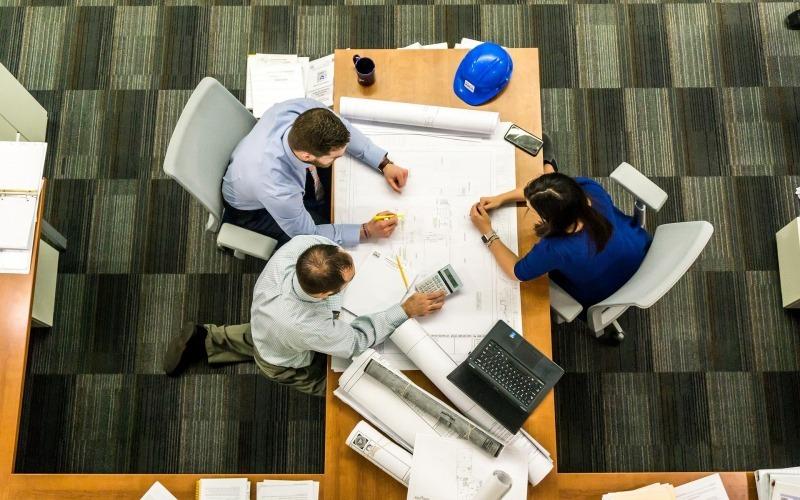 När en BRF beställer entreprenad så kan det ibland bli stora projekt. Se till att hålla koll på ÄTA-arbetet, så att kostnaderna inte skenar iväg