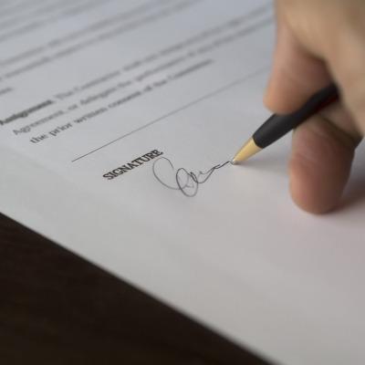 Vad är separabilitetsdoktrinen i skiljeavtal?